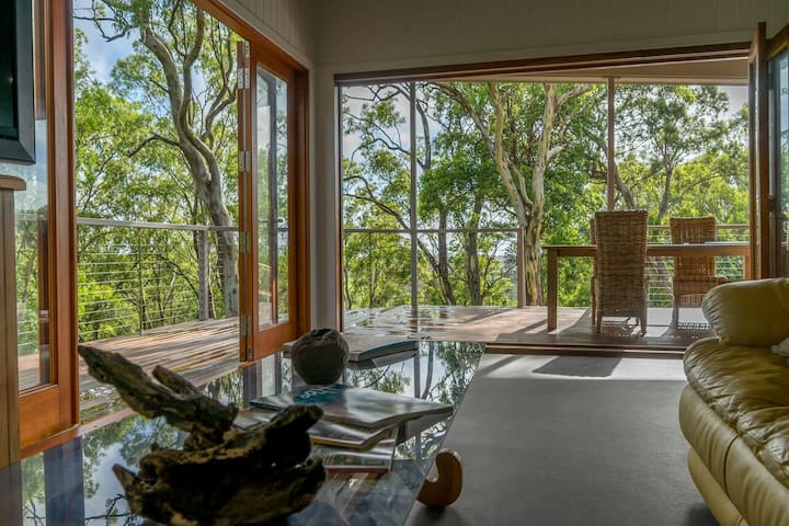 Nunyara Treehouse - North Maleny at its best.