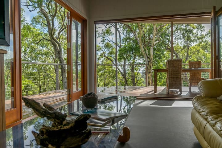 Nunyara Treehouse - North Maleny at its best.