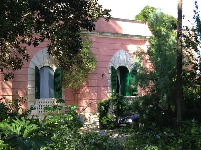 Villa Sirgole - 1897 - Liberty Place in Salento