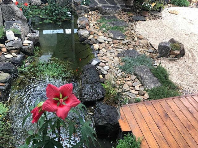 River View Home -Private-1 bedroom-Breakfast Incl.