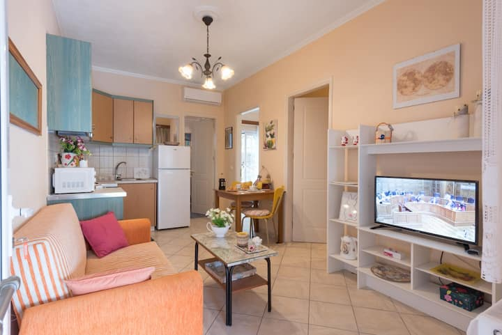 Peaceful Apartment with parking in olive garden