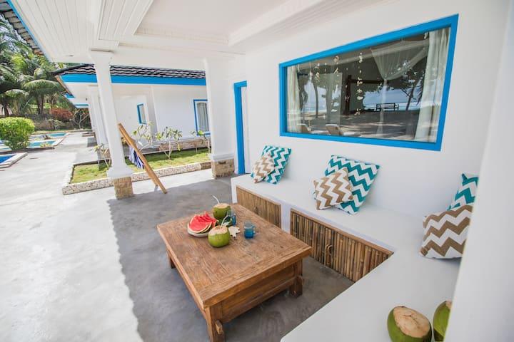 Hollow Tree's Resort - Kepulauan Mentawai - Villa