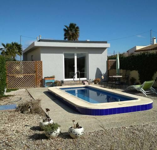 Jardin Enebro, Eco Cottage with dip pool