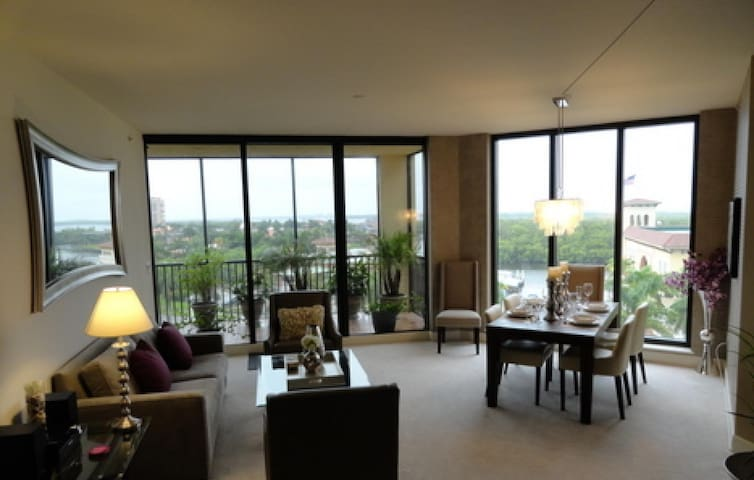 Gorgeous Cape Harbour Condo - Cape Coral - Apartment