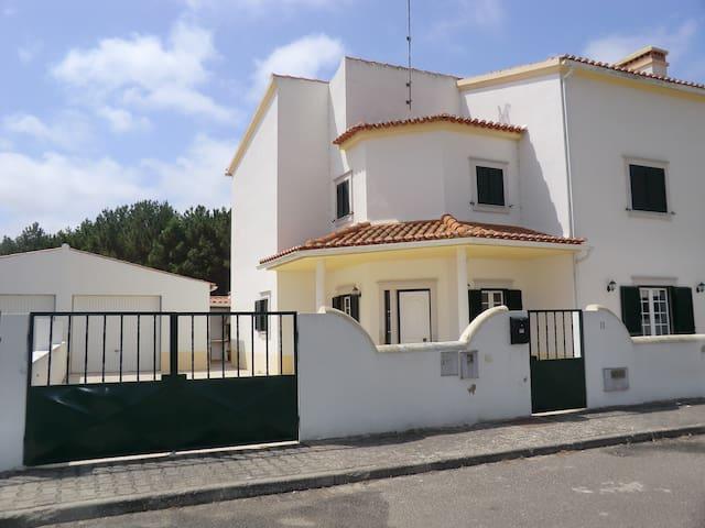 Portugal Maison de vacances   sur la côte d'Argent - Olho Marinho - Rumah