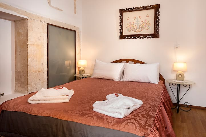 Luxury Suite in the heart of old Town..!!!!