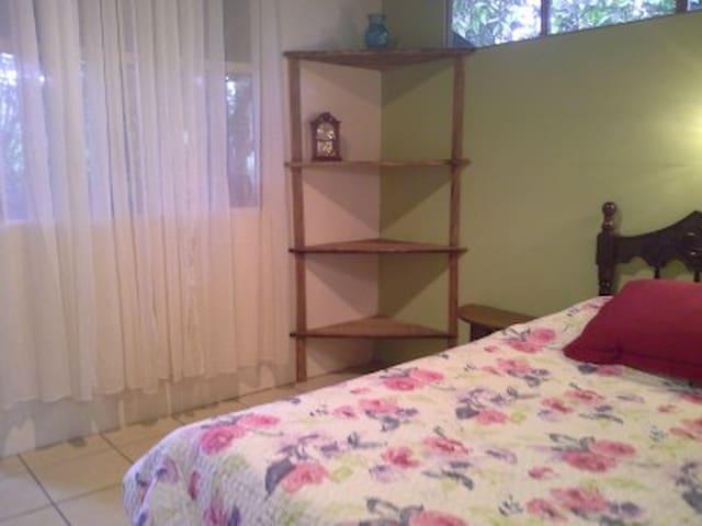 Establo San Rafael by Paradise Products CR