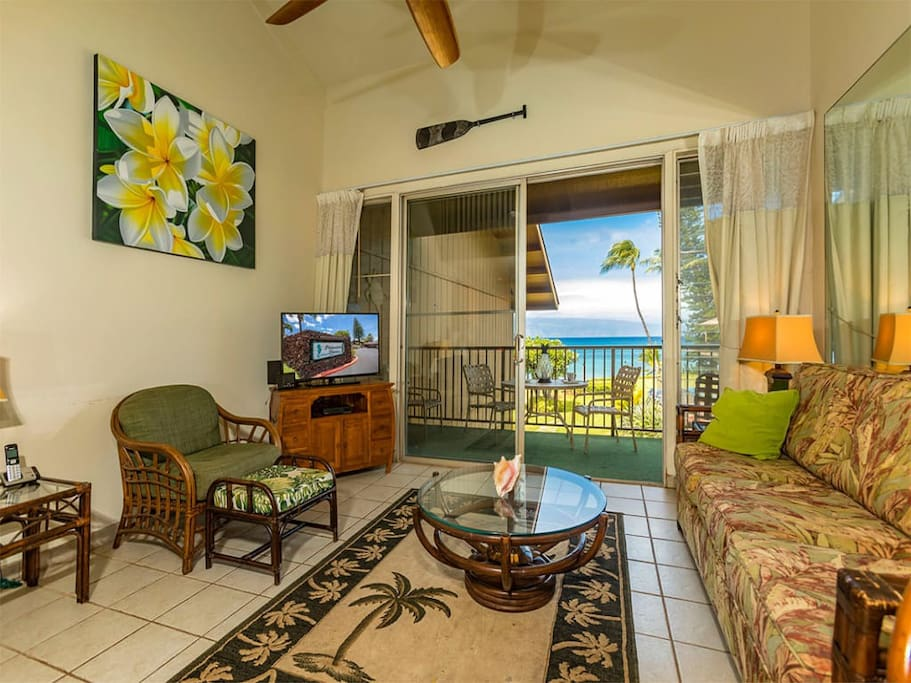 polynesian_shores_2of_224_livingroomview1.jpg