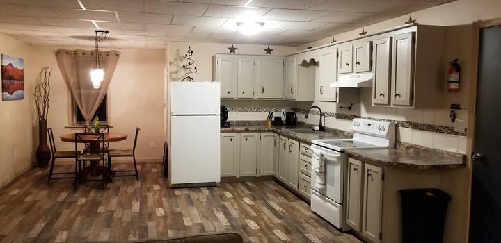 The Upper Room  (Full 2br Apartment sleeps 7)