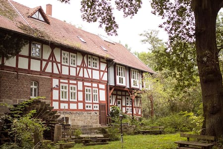 Romantische Zimmer in der Wassermühle von 1491 - Homberg (Efze)