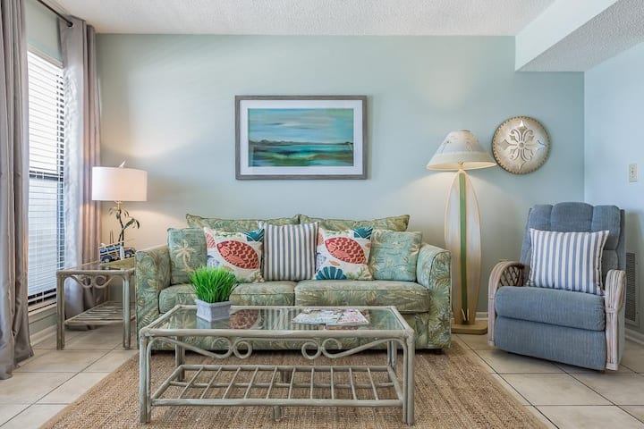 Fantastic Rates! BOOK NOW AND SAVE!**ON BEACH GULF SHORES***