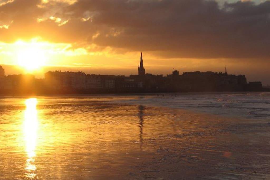 Le coucher de soleil sur Saint-Malo