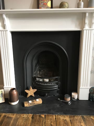 Original feature fireplace (not in use)