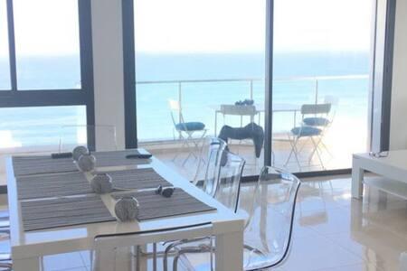 Nagelnieuw appartement,  Atlantische Oceaan-zicht