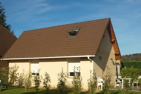 45m2 house with garden - Assat - Ev