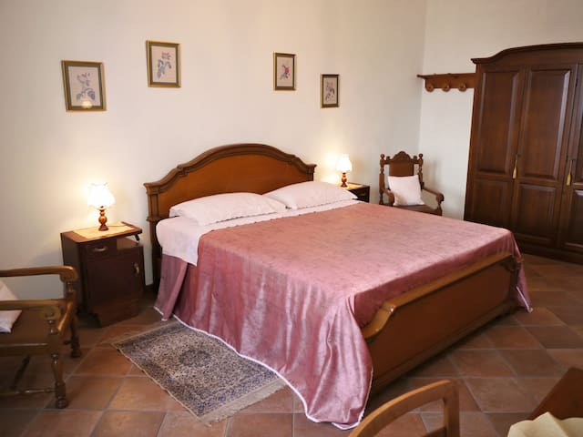 Hilltop village house in North Tuscany & 5Terre! - Olivola