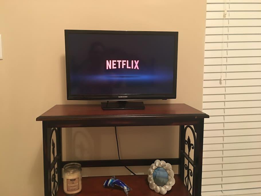 Guest room Smart TV has Netflix, Hulu, and Amazon video. Binge away!