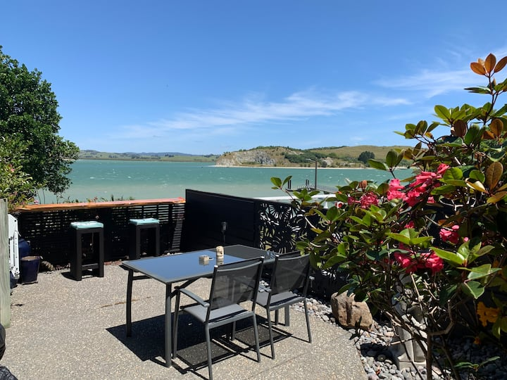 Beach Lane Apartment on the Whangarei Harbour