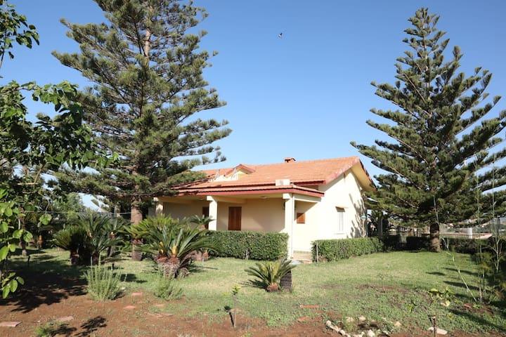 """""""Villa Ariadduci"""" immersa nel verde  e nella pace"""