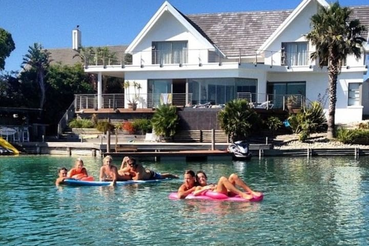 St Francis Bay Luxury Holiday Home