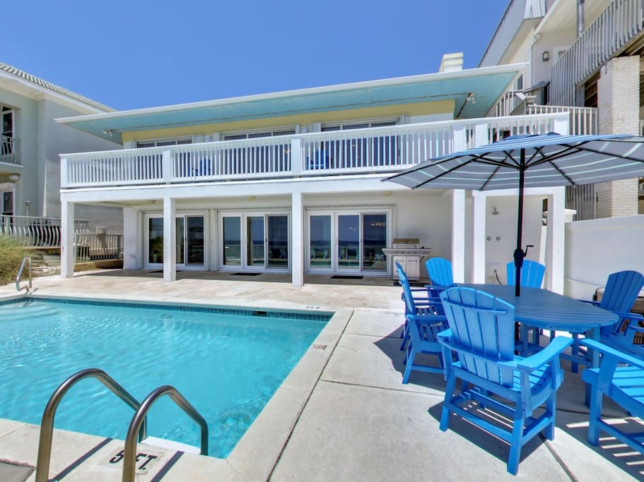 Private Gulf Front Pool, Outdoor Dining and BBQ Grill
