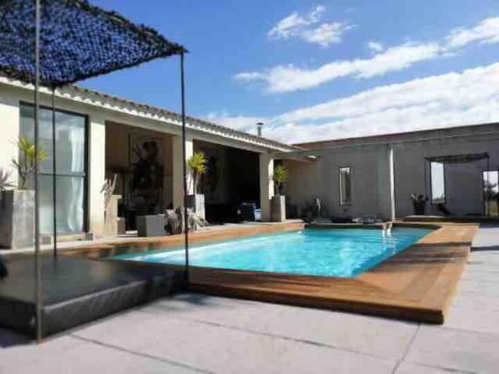 Suite«COSY»jaccuzi privatif,piscine chauffée sauna