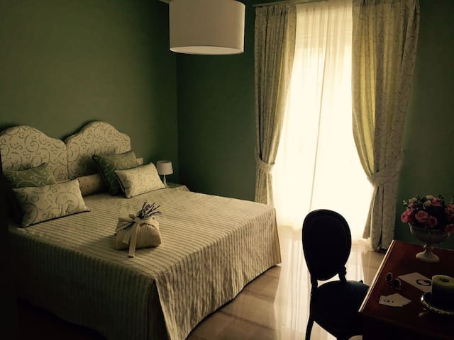 Allaportaccanto Bed & Breakfast Green Room