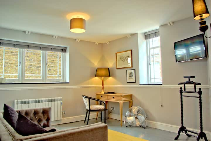 Ely city centre, luxury self-catering, Apt. 1 of 3
