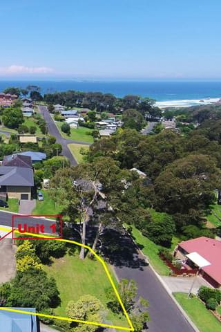 Narooma family unit