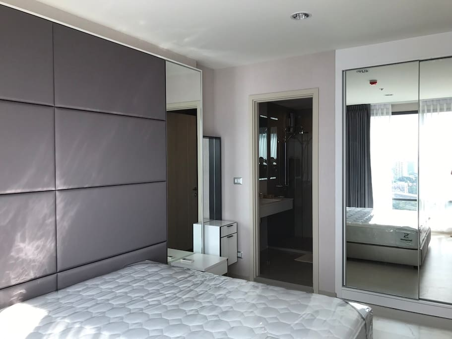 Bedroom view - connect to bathroom