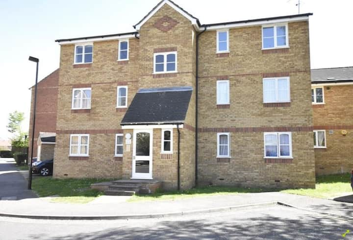 Nice Flat close to Feltham