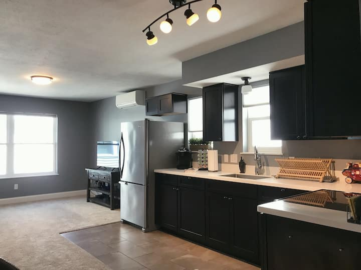 Suite 6 - In the HEART of Traverse City