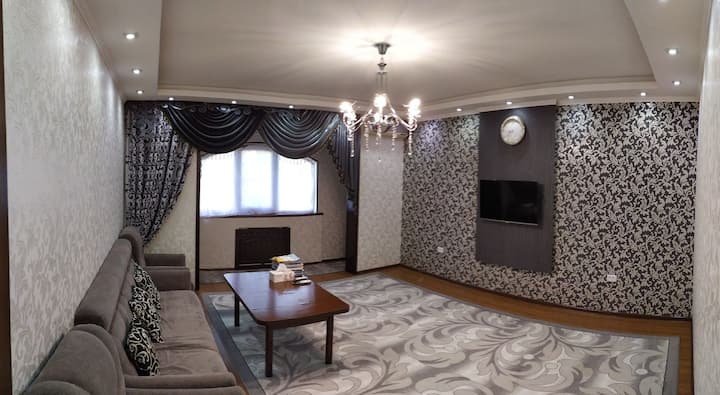 Чистая и конфортная квартира только для семьи.