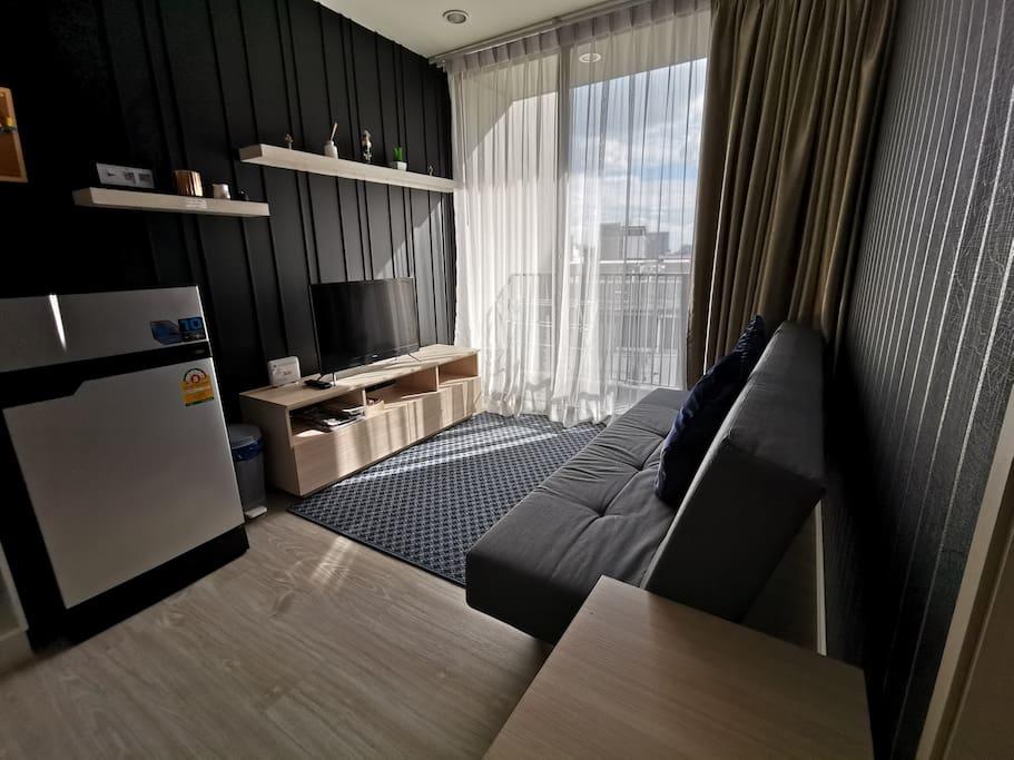 Flat Screen TV & Broadband Wifi Sofa Bed