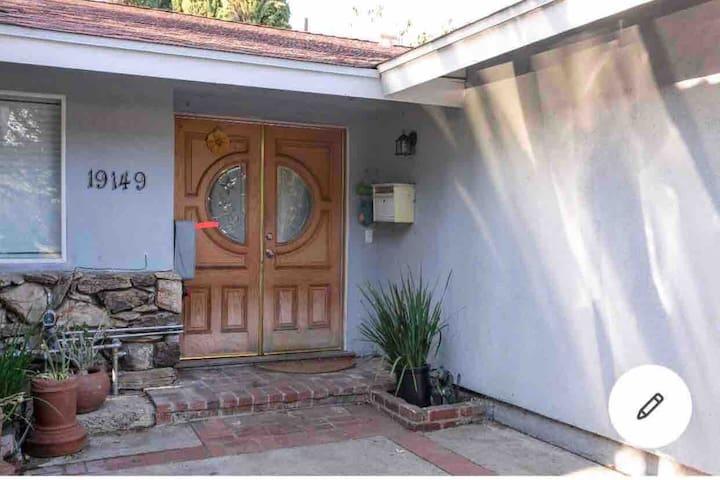3 bed Smart Home in LA by CSUN