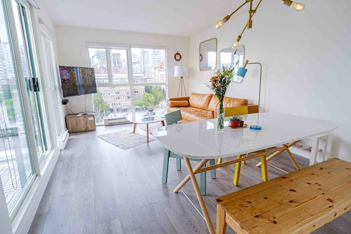 Bright 2BedRoom Airy Unique Simply White Apartment