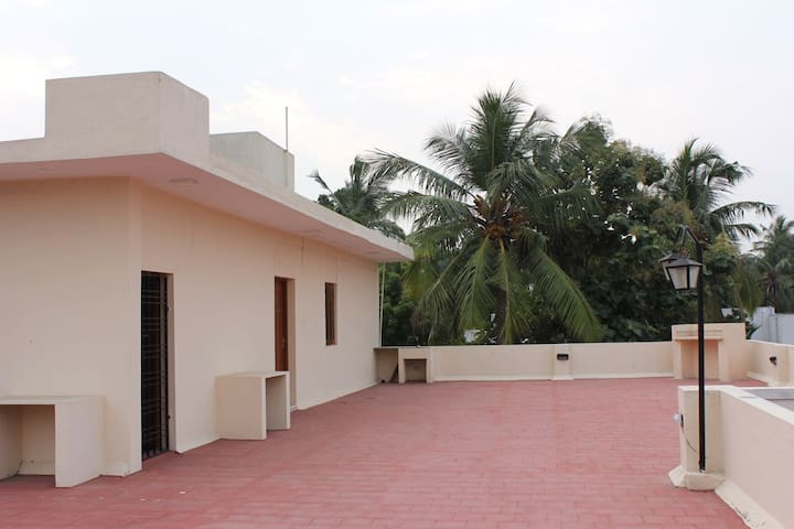 Single bedroom in Defence Officers Colony Chennai