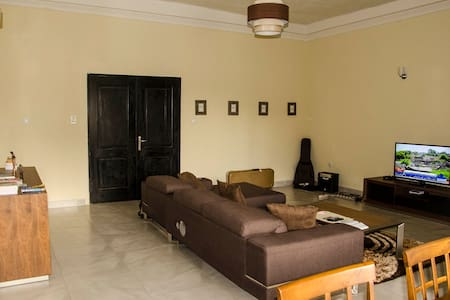 Room in an apartment by the Congo River - Gombe - Kinshasa