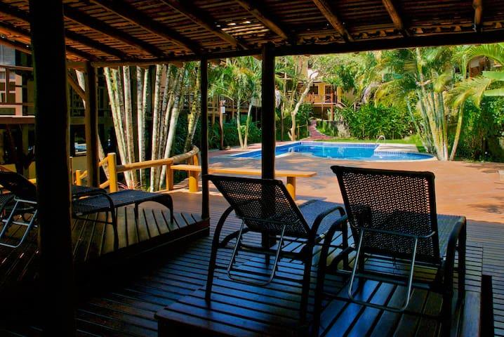 Charmosa casa 1 em condomínio - Ilhabela, SP