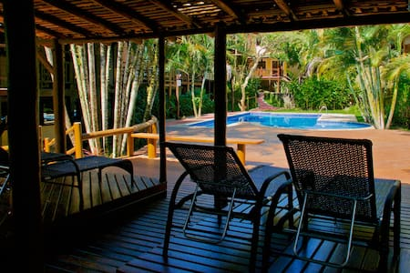 Casa tranquila + WIFI 30MB, NETFLIX, Ilhabela, SP