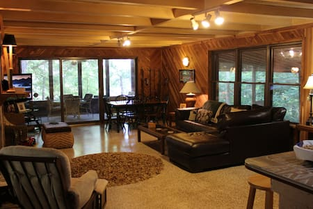 Tennessee River Cabin - Relax, Hunting & Fishing