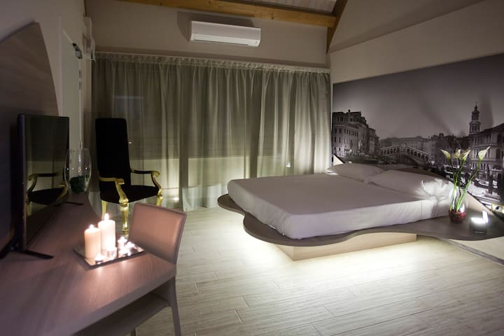 Suite Venezia - Milán - Bed & Breakfast