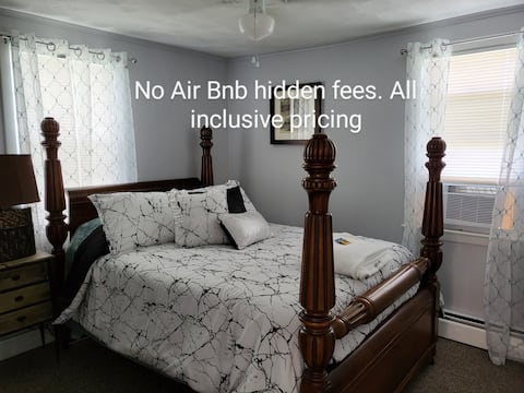 Classy 1Bedroom entire Apartment quiet & secluded with a private Office. Great opportunity for a Business Professional or King&Queen. WiFi/Linens/Cookware/dinnerware/toiletries/Ironing needs, etc. all provided to make your stay easy and memorable.
