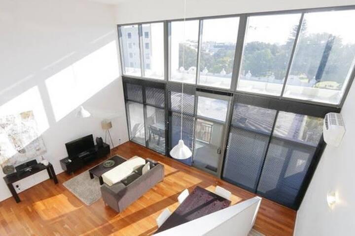 Modern spacious apartment in city - Northbridge - Wohnung