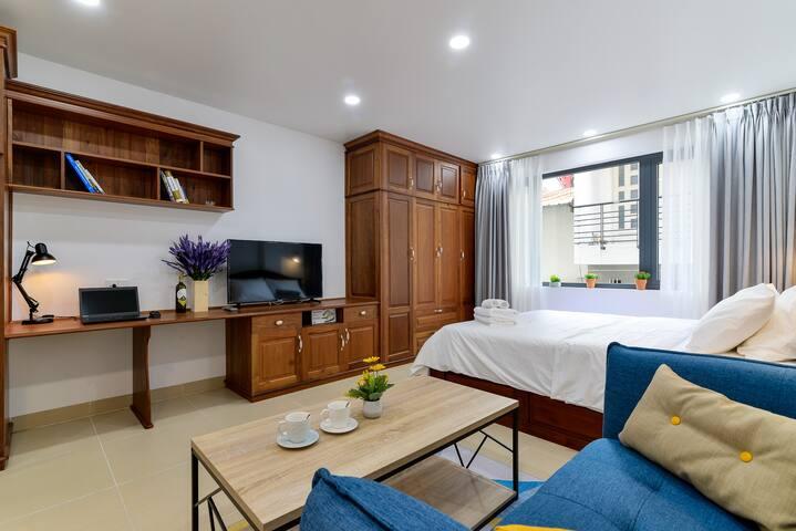 WOODY HOUSE - NEAR BEN THANH MARKET