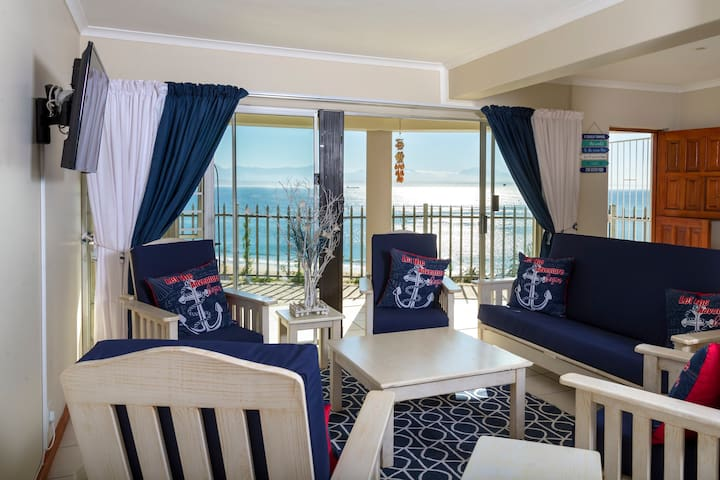 The White House Mossel Bay Self Catering Apartment