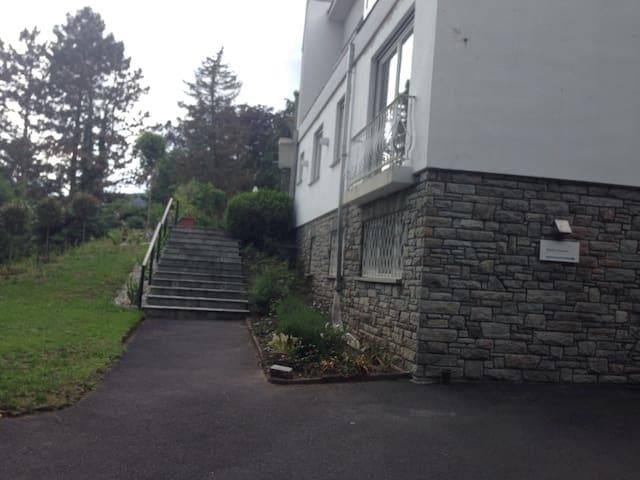 Top Unterkunft im Taunus - Kronberg - Lägenhet