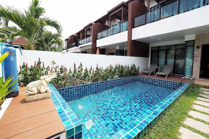 Private pool villa in Kamala - Great Value!