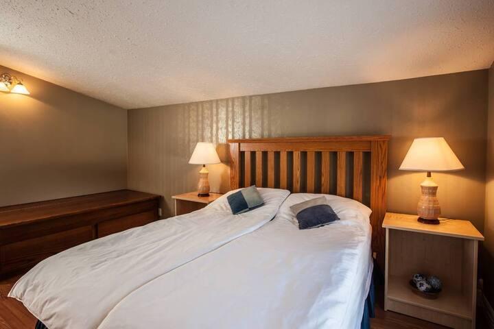 Winter room · Winter room · Winter room · Winter room · 7 Acres Bed & Breakfast - Winter Room