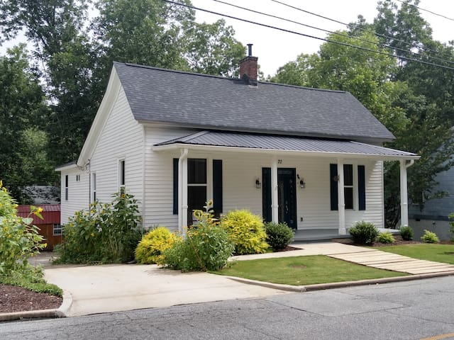 Newnan Square - Cottage at Mill Village - 2T Bed/2